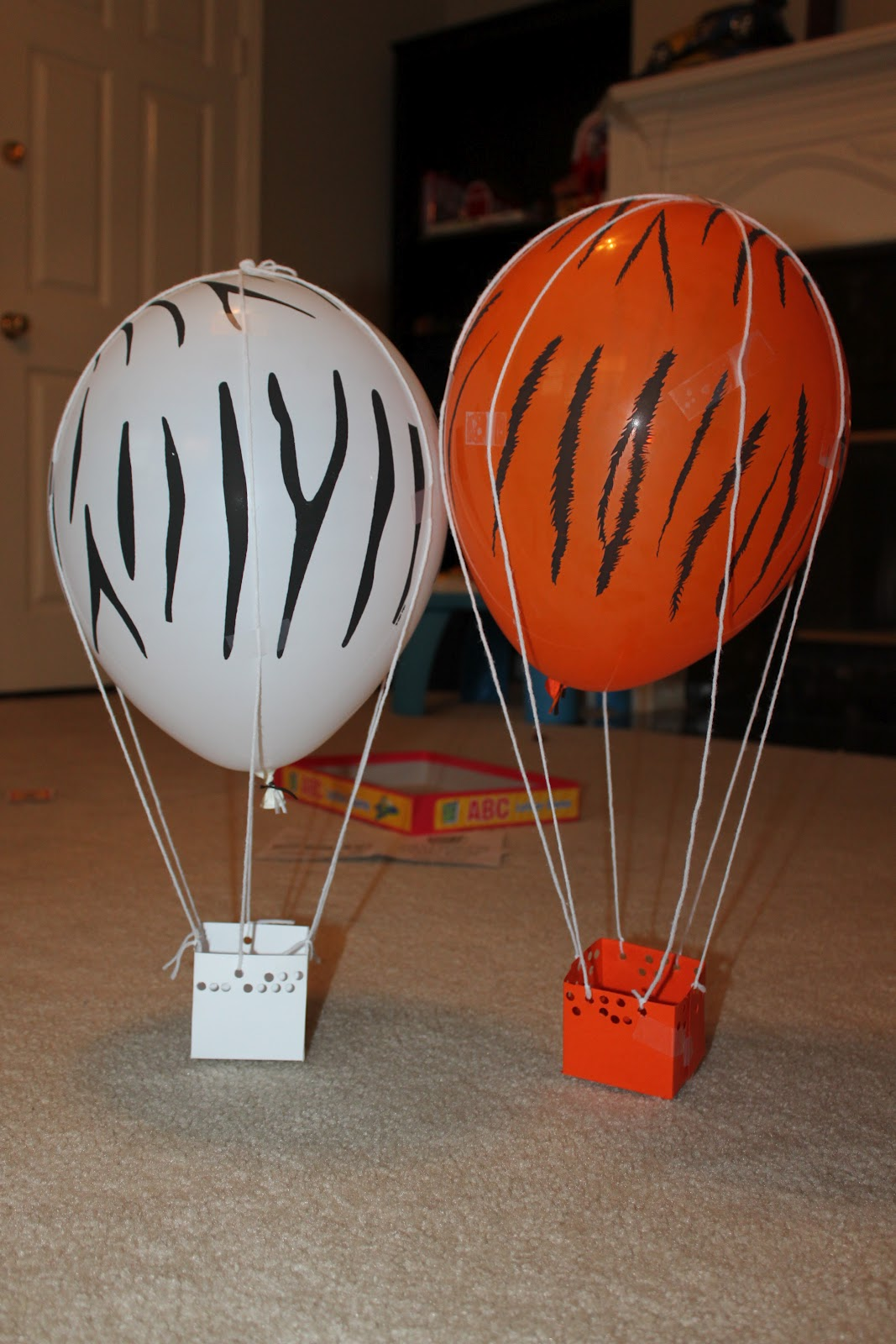 Diapers to diplomas tot school uu for Diy balloon projects