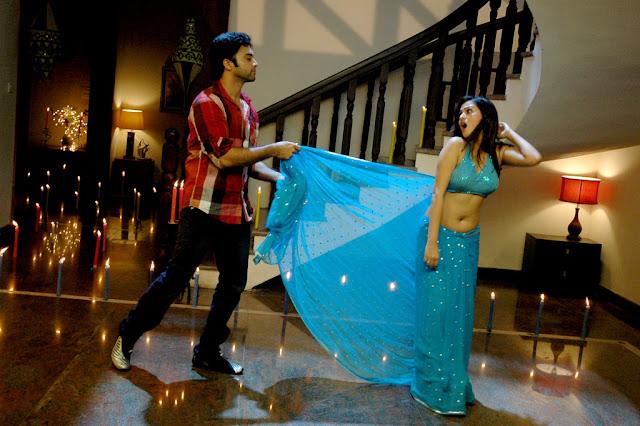 Actress Sada Saree Below Navel Show Photos