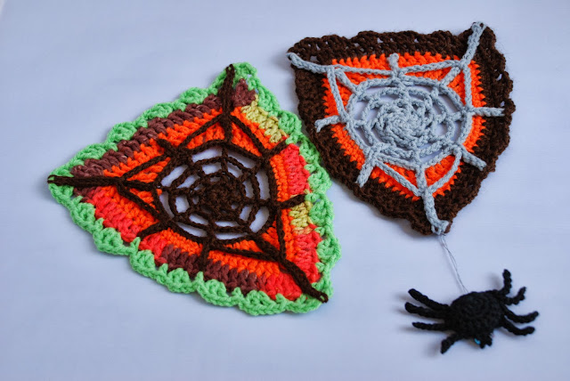 Web bunting and spider pattern and tutorial: image of crochet spider and web bunting