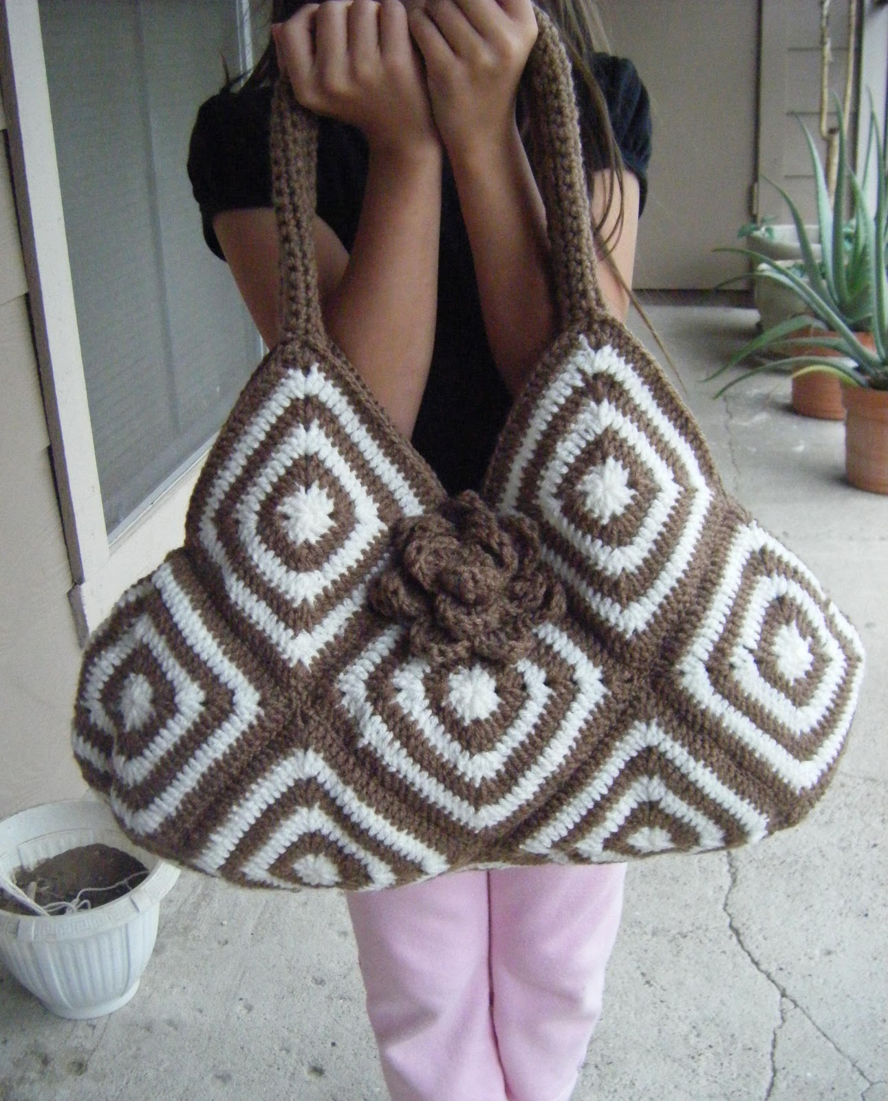 Crochet Handbag Pattern : Best Patterns: Crochet Bicolor Bag Pattern