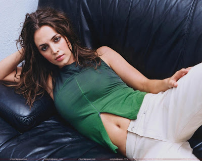 Eliza Dushku Best Actress Wallpaper