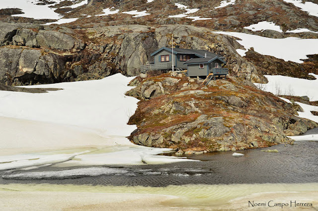 Casa junto a la nieve