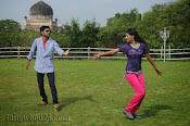 Nuvvena Adi Nivvena Movie Stills-thumbnail-14