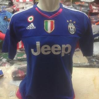 gambar desain terbaru jersey kiper Juve gambar desain foto photo kamera Jersey kiper Juventus hoem terbaru musim 2015/2016 di enkosa sport toko online terpercaya lokasi di pasar tanah abang jakarta pusat