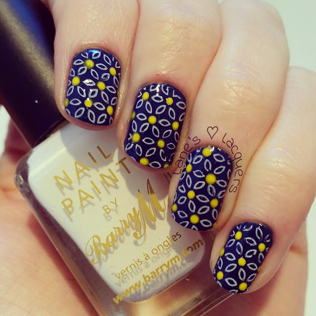 barry-m-you-drive-me-navy-daisy-nail-art (2)