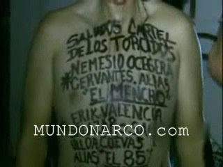 Mundo Narco Com http://www.borderlandbeat.com/2011/06/video-of-man-executed-with-narco.html