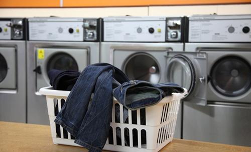 Cara Mencuci Jeans