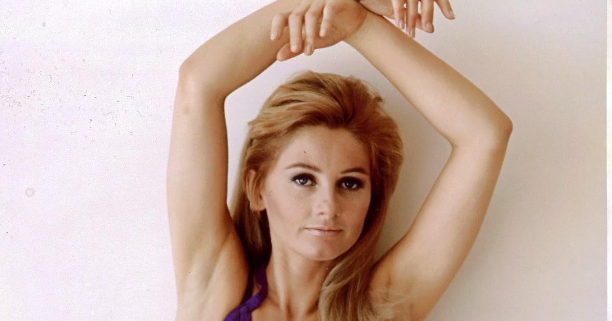 Jill Ireland Topless