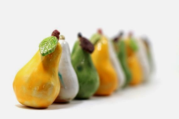 https://www.etsy.com/listing/183252915/ceramic-pears-home-decor-shabby-chic?ref=favs_view_2