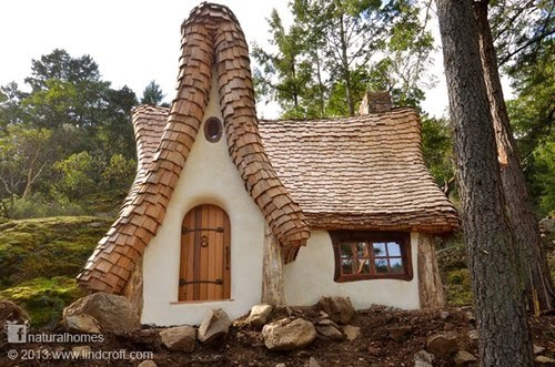 31-Storybook-House-Small-Homes-Offices-&-Other-www-designstack-co