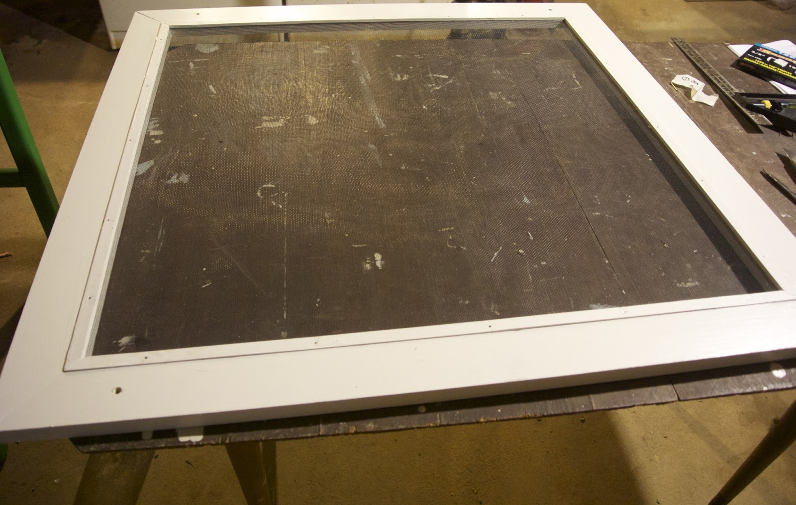 Life At Pugsley: How To Make Wood Window Screens 11: Installing The . Full resolution  picture, nominally Width 1600 Height 1017 pixels, picture with #3D5E20.