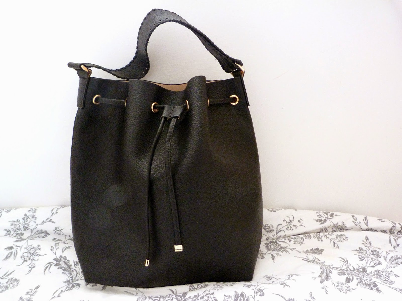 my H&m Bucket Bag
