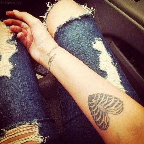 ♥  ♫  ♥ Skeleton heart tattoo sexy tattoos girl heart arm jeans bones ♥  ♫  ♥
