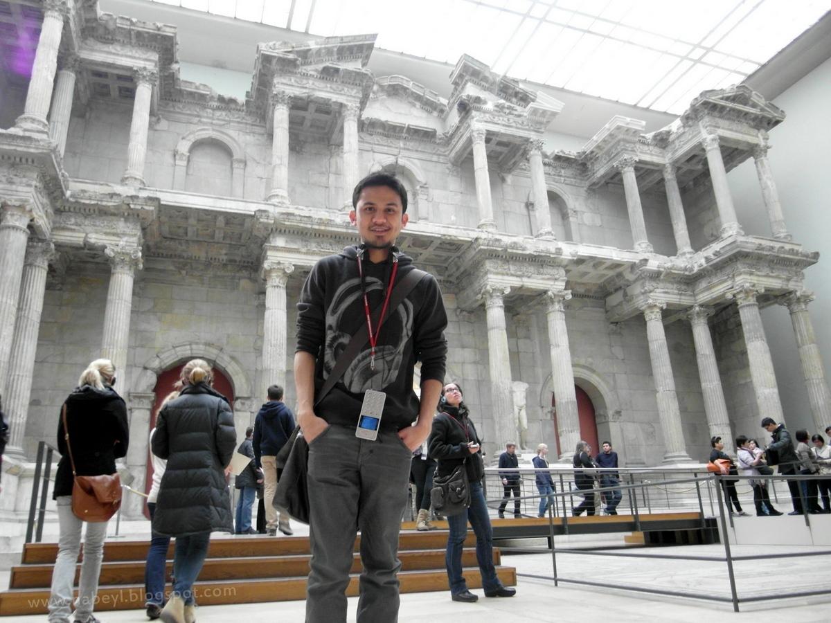 Nabil aizat bin abdul rahman pergamon museum collection of classical antiquities - Mobeltown berlin ...