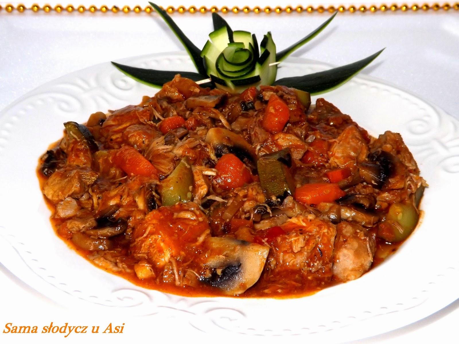 Kociołek mięsno warzywny w sosie słodko kwaśnym