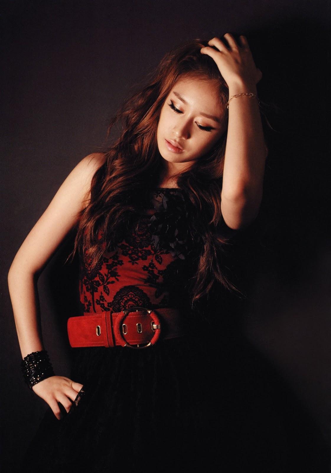 http://4.bp.blogspot.com/-4G_H8X4qEQ8/UOGCw0Whw6I/AAAAAAAAVfo/rTWutc65Tcs/s1600/T-ara+Jiyeon+Sparkle+Psuperobook+pics+HQ+2.jpg