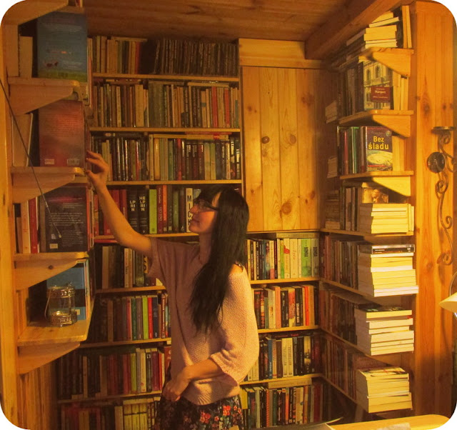Z aparatem wśród książek, czyli moja biblioteczka - część 1