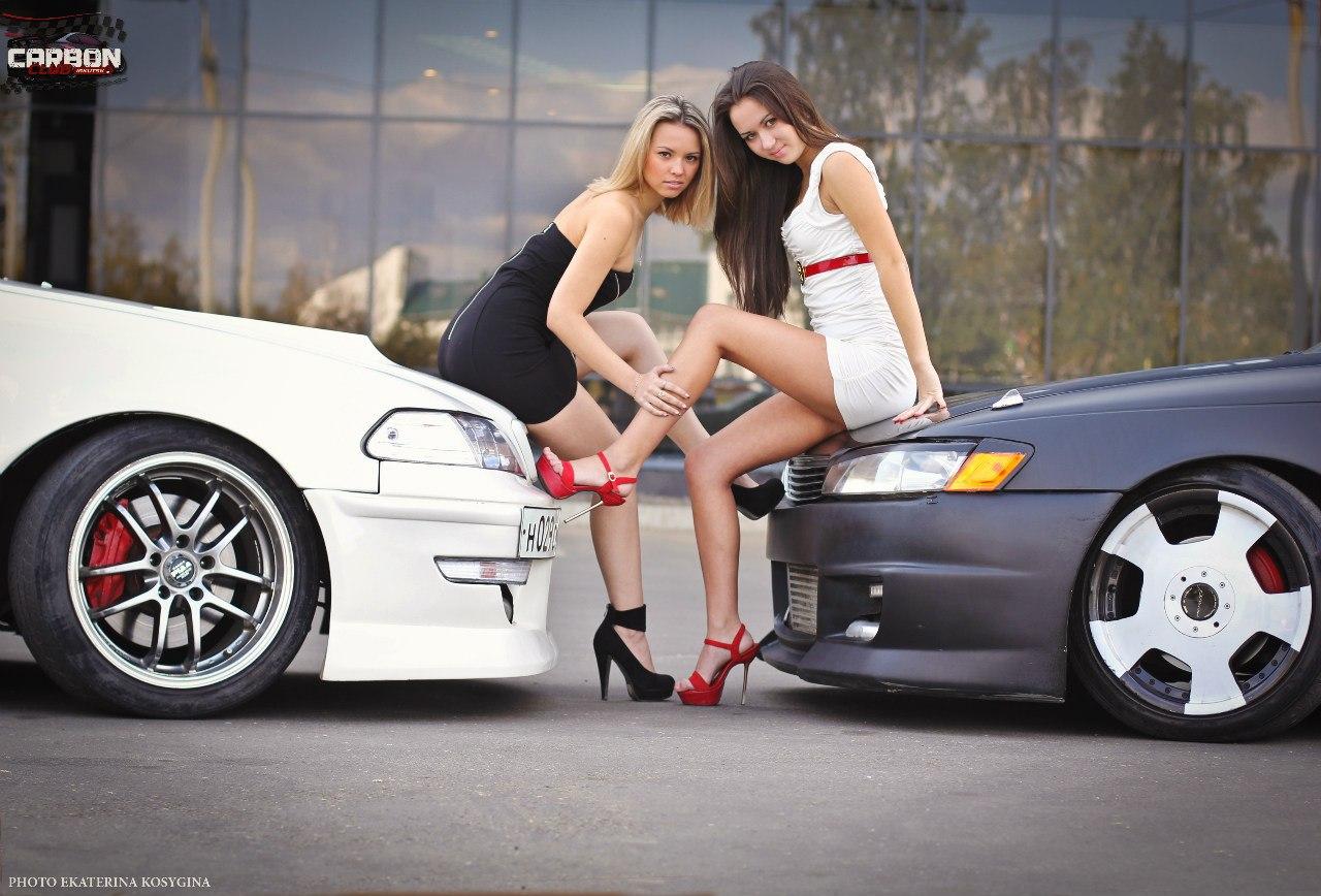 Toyota, fotki dziewczyn i samochodów, panny i auta, zdjęcia, galeria