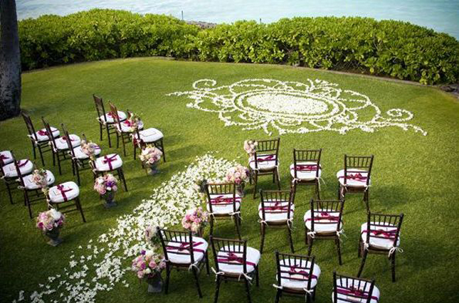 Mind-Blowing Wedding Ceremony Decor - Belle the Magazine . The