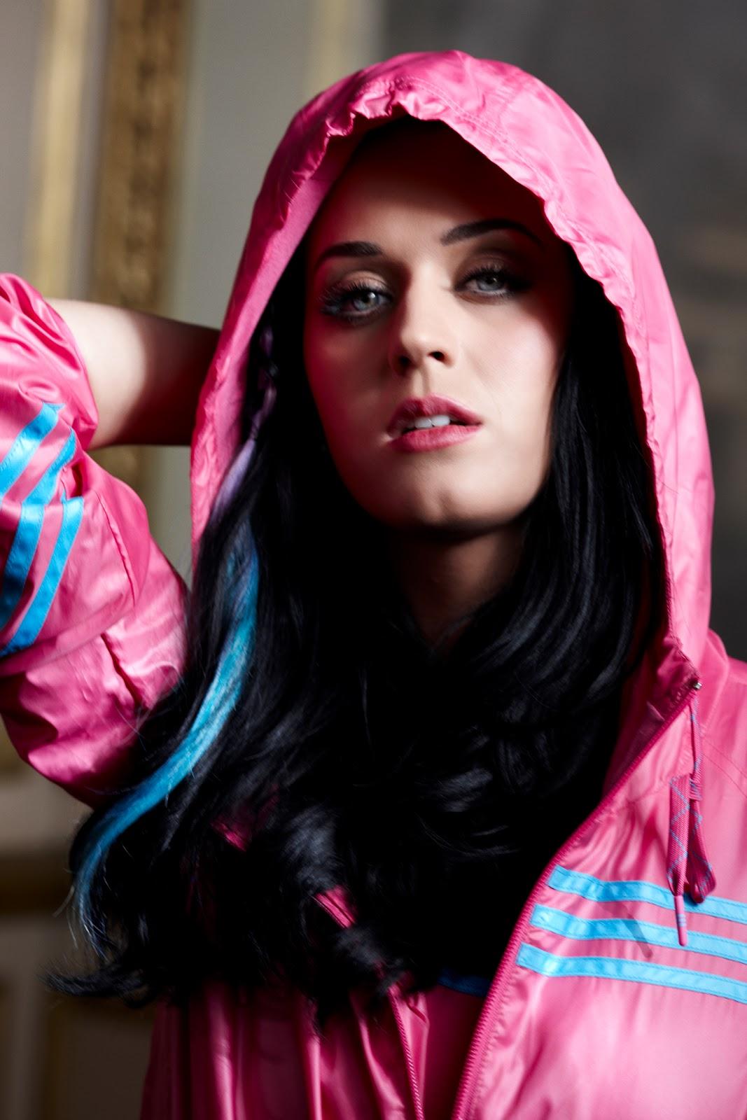 http://4.bp.blogspot.com/-4HaBJFxSt80/TjpYBTfAMiI/AAAAAAAABLs/3PI1YKLGH4E/s1600/Katy-Perry-in-adidas-advertisement.jpg