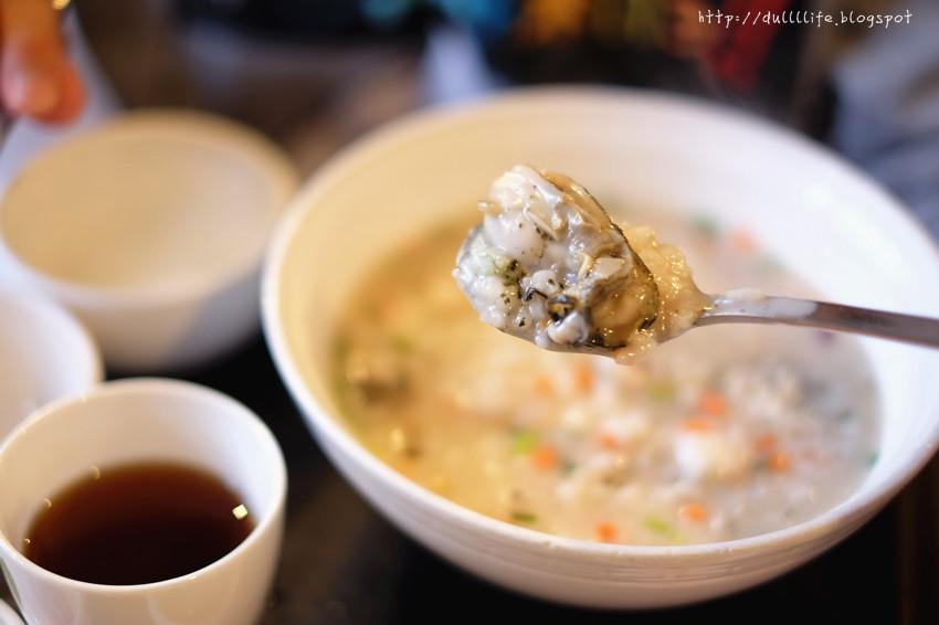 [弘大。食]。本粥*料多好實在,濃稠的粥好好食!(含地圖)