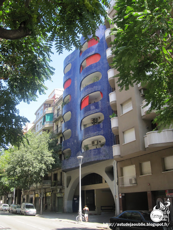Barcelone - Immeuble bleu  Architecte: Mario Cataln Nebot  Construction: 1975     Edificio de oficinas - Arquitecto: Mario Cataln Nebot - Direccin: Sant Antoni Maria Claret, 112 Ciudad: Barcelona (Barcelona - Catalunya) Espaa