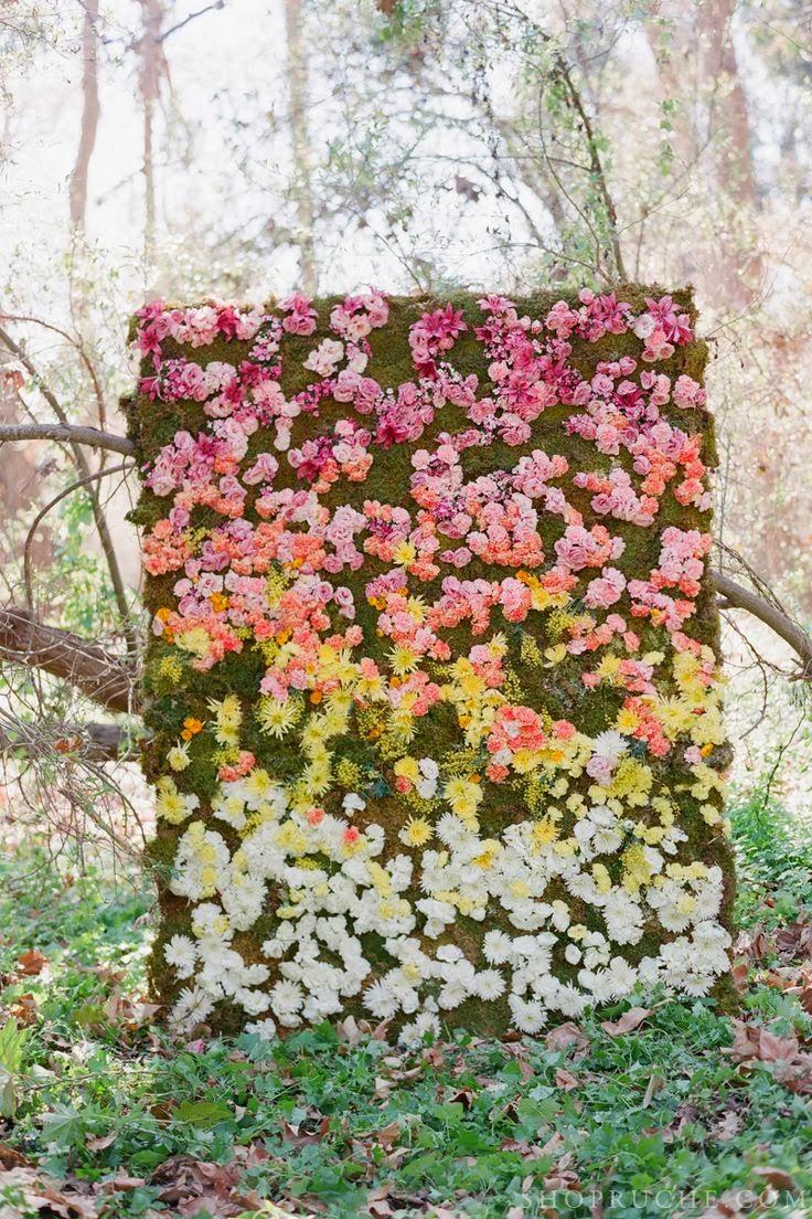 Flores en tonos rosa, amarillo y blanco