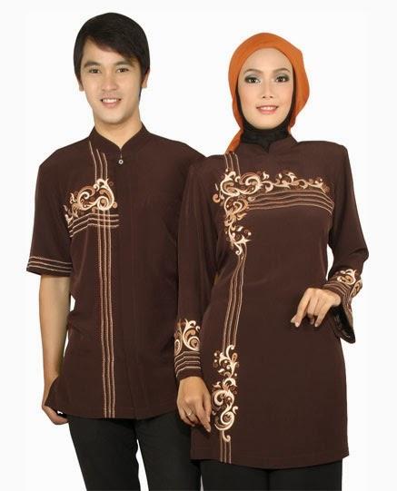 Gambar baju muslim sarimbit warna merah tua elegan