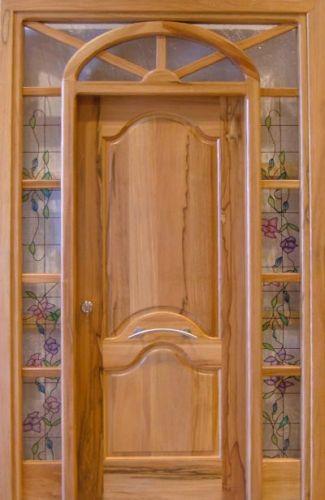 Fotos y dise os de puertas abril 2012 for Modelos de puertas de frente de madera
