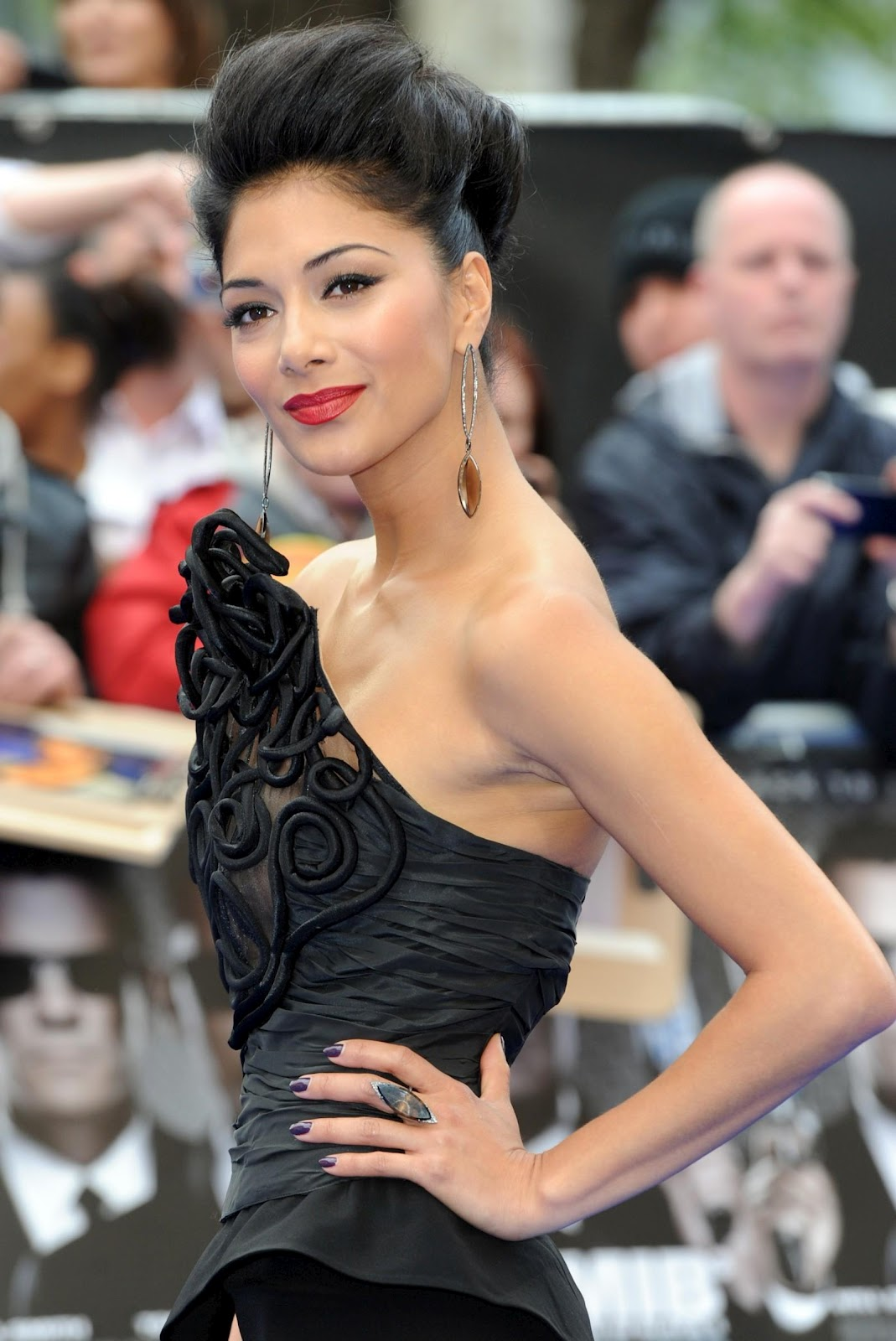 http://4.bp.blogspot.com/-4I265qlGWak/T7Zh9yB0pyI/AAAAAAAARlU/c9-U0YI64QI/s1600/Nicole_Scherzinger_MEN_IN_BLACK_3_GIRL_WALLPAPERS_07.jpg