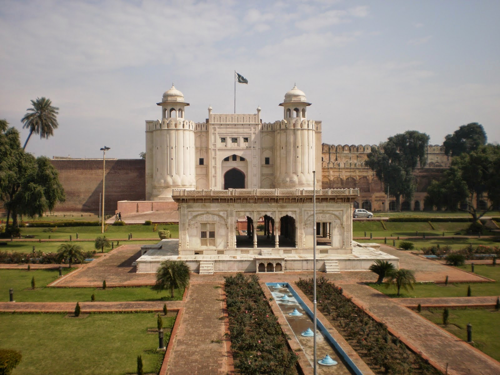 Travel trip to historical places in lahore