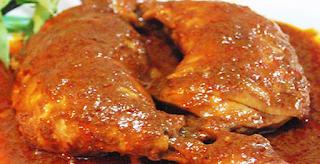 Resep Ayam Bumbu Rujak Daun Salam yang Pedas