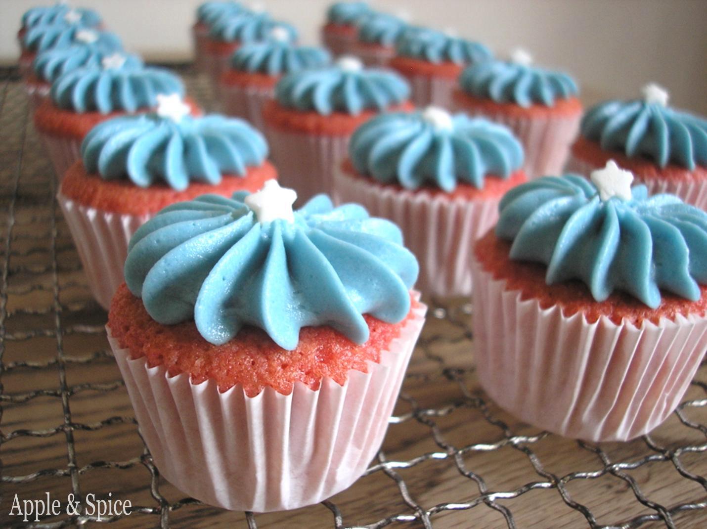 Apple & Spice: 4th July Mini Cupcakes
