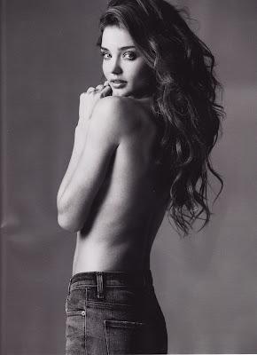 Miranda Kerr-Victoria Secret Angel Wallpaper look beautiful