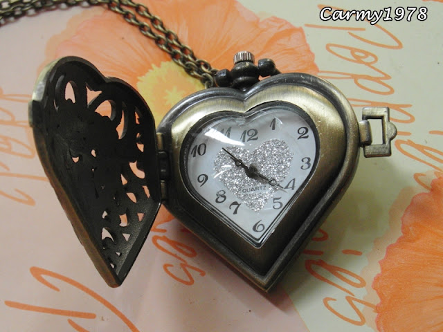 vintage-pocket-necklace-heart