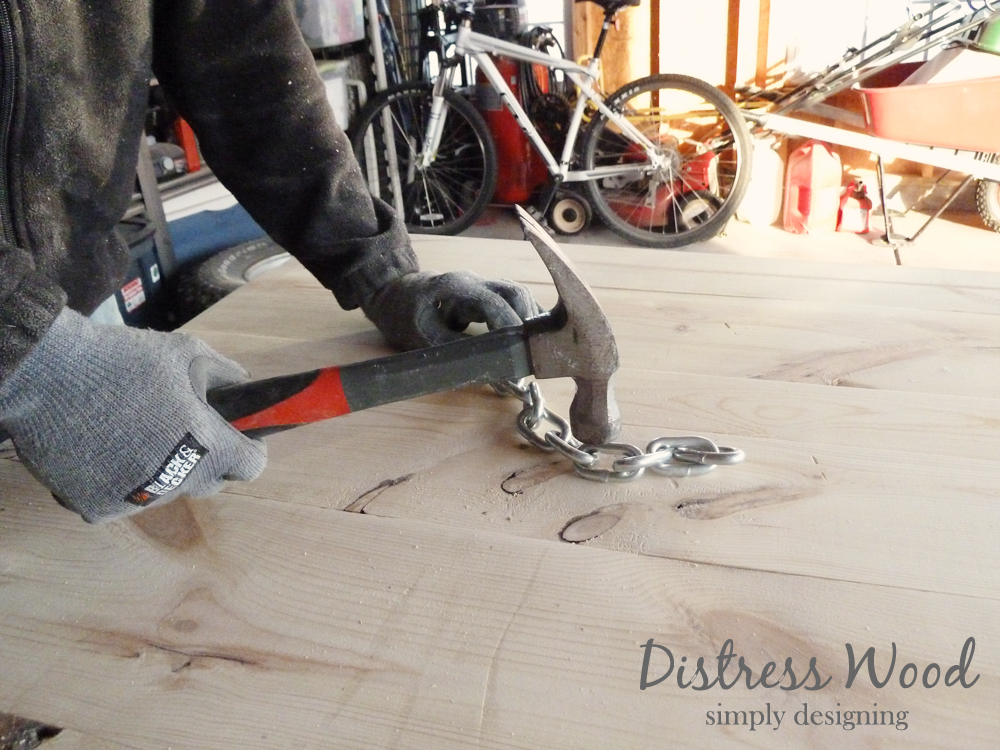 How to distress Wood | #diy #palletboard