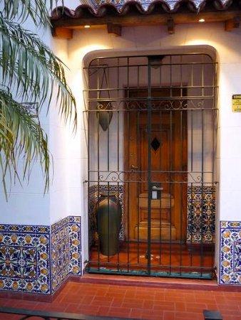 Decora el exterior de tu casa tu fachada es importante - Entradas rusticas ...
