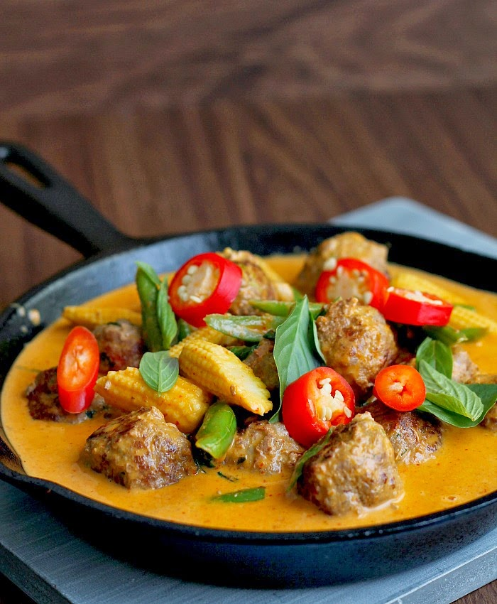 bet some of you haven't tried using meatballs when cooking curry .