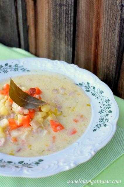 Serowa zupa jarzynowa z boczkiem