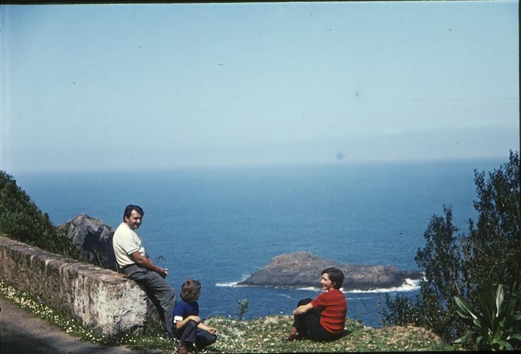 Petrutu, prietenul meu din copilaria, Aurora si Tutzu (Petru) Craciunas parintii lui (Algeria)