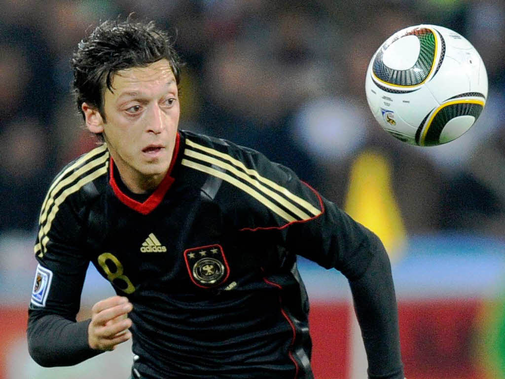 Mesut Ozil Wallpaper Hd