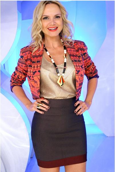 Looks da apresentadora eliana