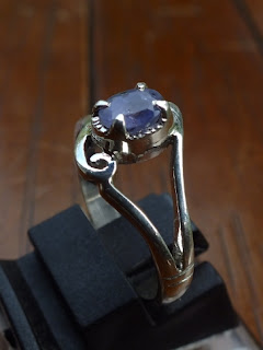 blue sapphire lady ring