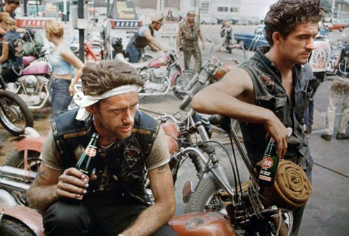 masters of photography : Danny Lyon : photo of chopper riders
