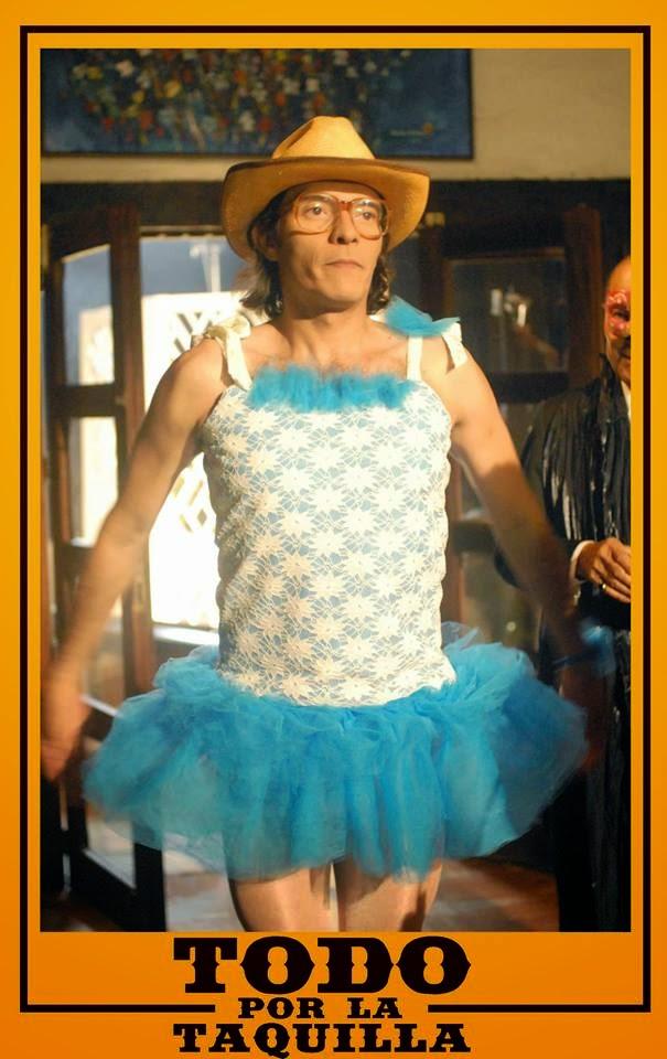 David el Director en #TodoPorLaTaquilla es interpretado por Armando Lozada Torres, En esta escen