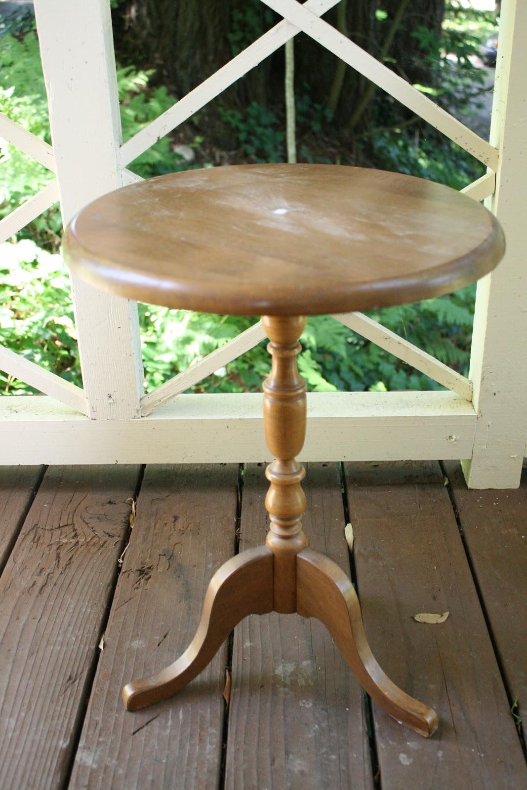 Paris Gray Pedestal Side Table
