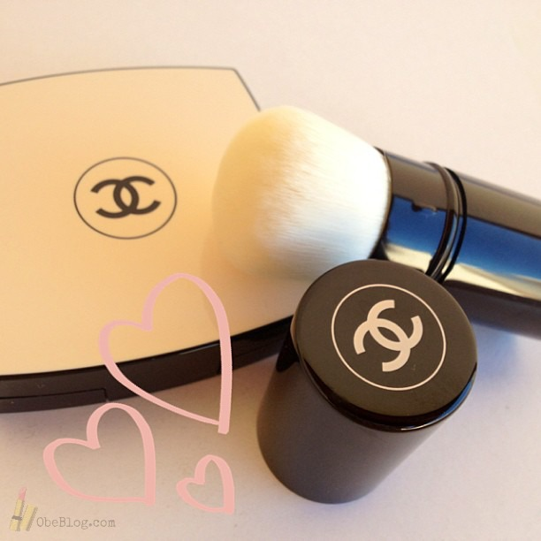 LES_BEIGES_Retractable_Kabuki_Brush_CHANEL_03