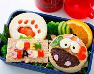 دراسة بريطانية : أهمية إغراء الأطفال لتناول الأكل الصحي