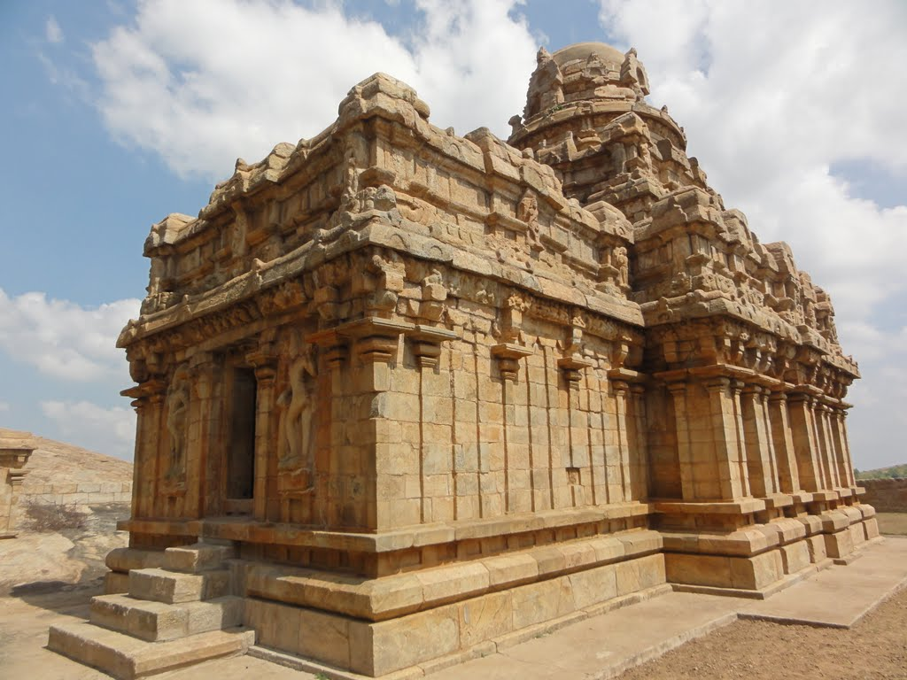 Tamilnadu tourism vijayalaya choleeswaram narthamalai for Archaeological monuments in india mural paintings
