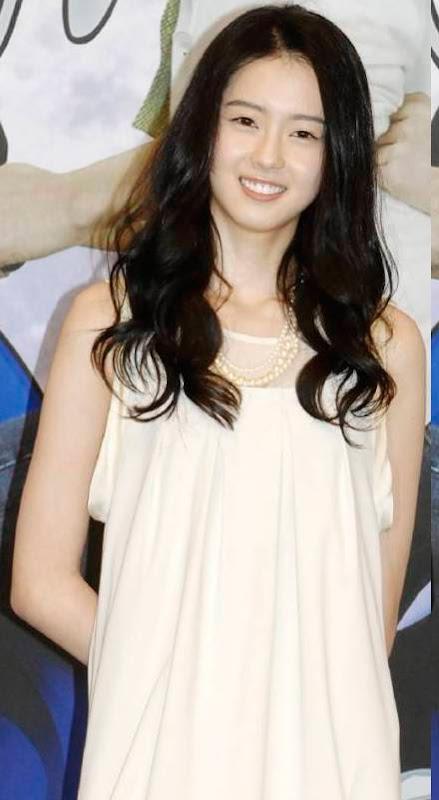 Go Ara Hot Photos  Actress from South Korea Photoshoot images